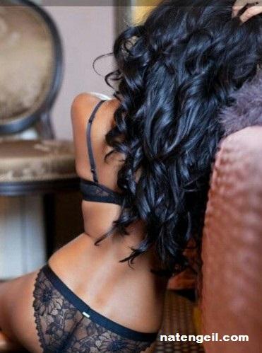 Huisvrouw ontvangt erotische massage terneuzen